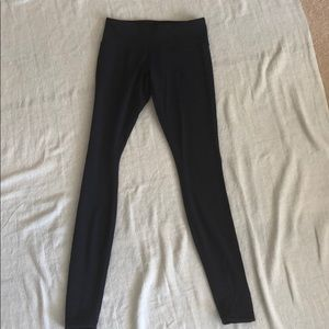 Super soft Navy size 6 long lululemon yoga pants